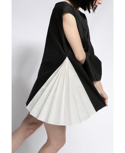 SELENA BLACK AND WHITE DRESS